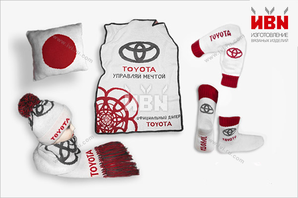 Комплект с логотипом TOYOTA